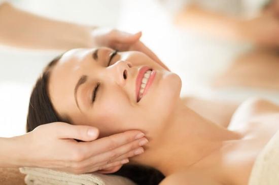 Chăm sóc da cơ bản, hút mụn, massage mặt tại Lala Beauty and Nail