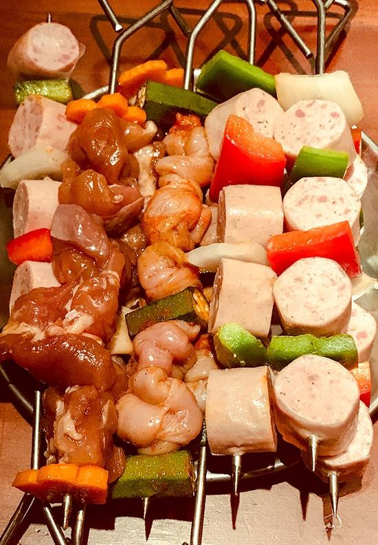 Buffet Nướng Chuẩn vị Hàn Quốc - Nhà hàng Buk Buk 301 Tô Hiệu Menu 149K