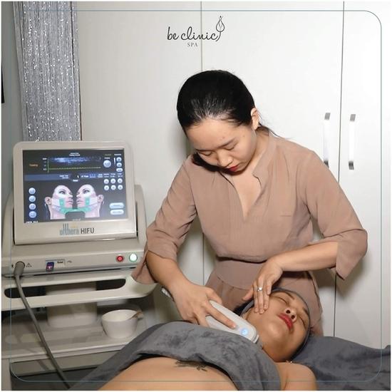 Chăm sóc da, điện di tinh chất siêu căng bóng và điều trị mụn tại Thẩm mỹ Quốc tế BeClinic