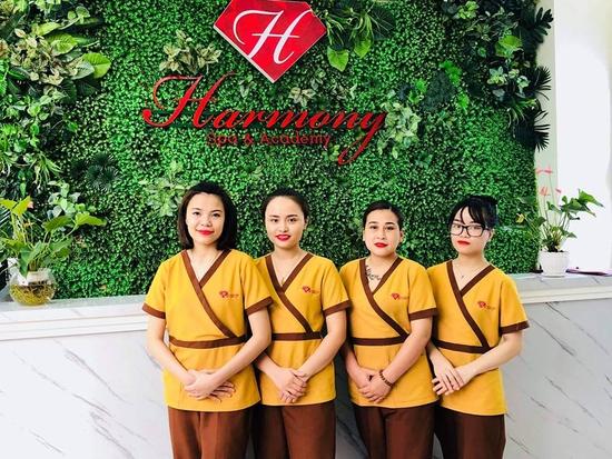 Thư giãn toàn thân với massage body kết hợp tinh dầu tại Harmony Spa