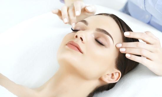 75phút điện di tinh chất giúp da căng bóng, trắng sáng bằng tại Viện Thẩm mỹ Hải Chi Beauty & Clinic