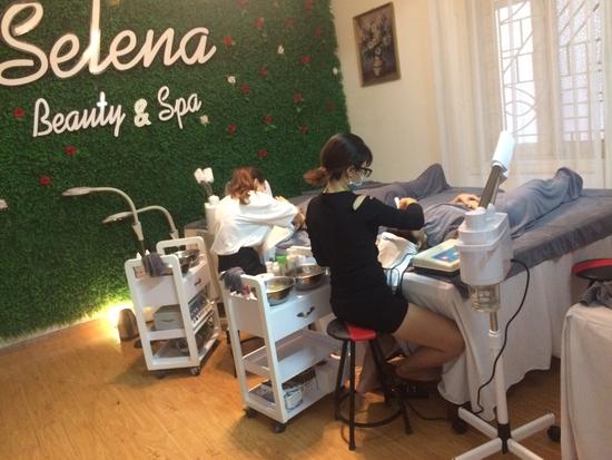 Điện di tinh chất smartcool tinh chất HA hoặc Vitamin C giúp da căng mướt, sáng mịn tại Selena Spa