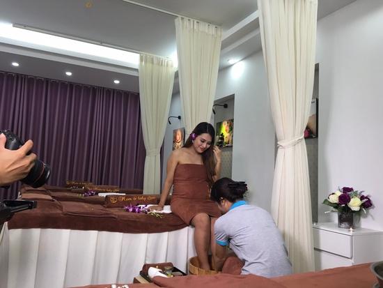 Massage thư giãn & đắp mặt nạ thảo dược cho mẹ bầu tại Mom & Baby Spa