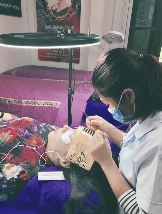 Khóa học Nối mi cơ bản 7 buổi tại Giang Chi Hương Lash & Beauty