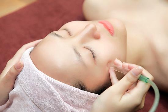 Chăm sóc da mặt, điện di tinh chất chuyên sâu Dermalogica tại Sen Spa