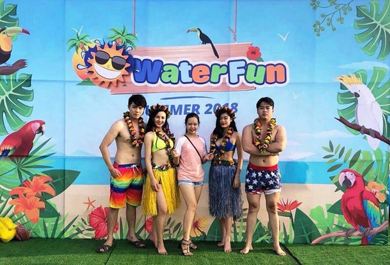 WATER FUN {TE}Vé trọn gói tham gia tất các trò chơi tại công viên nước phao đầu tiên và lớn nhất tại Việt Nam