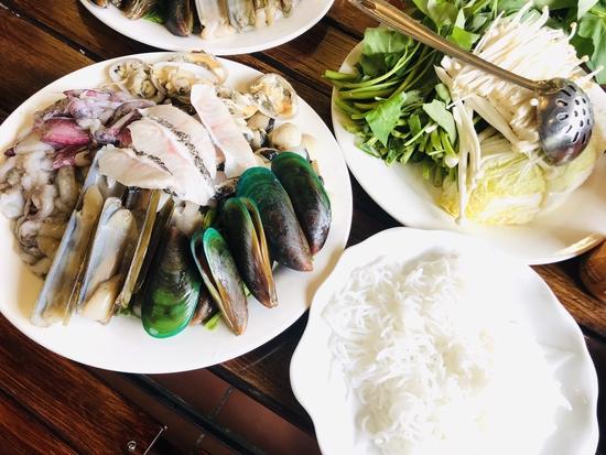 Set Lẩu hải sản tươi sống dành cho 6 người cực hấp dẫn tại