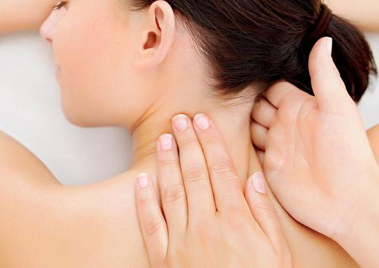 Trải nghiệm 2 buổi dưỡng sinh chải Thông kinh lạc cổ/vai/gáy sinh học tại Trang Beauty & Spa