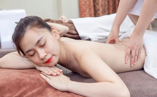 Massage body đá nóng kết hợp xông hơi tại Lotus Beauty - Cosmetics