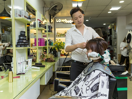 Trọn gói Cắt + Gội + Uốn/Ép/Nhuộm/Phủ bóng + Sấy tạo kiểu tại Long Nguyễn Hair Salon
