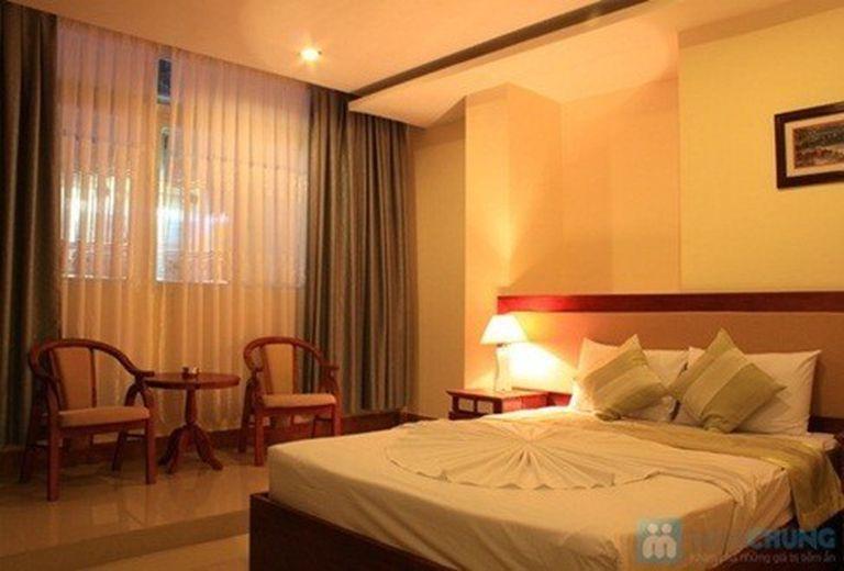 Đến phố biển Nha Trang, nghỉ tại Khách sạn Nhật Thành. Phòng Superior kèm buffet sáng cho 02 người. Chỉ 490.000đ/đêm