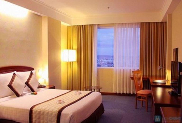 Khách sạn 4 sao Park Diamond Phan Thiết. Phòng Deluxe sang trọng kèm buffet sáng cho 2 người. Chỉ 888.000đ/đêm
