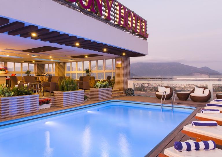 Balcony Hotel Nha Trang 3* - Nằm trên đường Trần Phú - Phòng có ban công