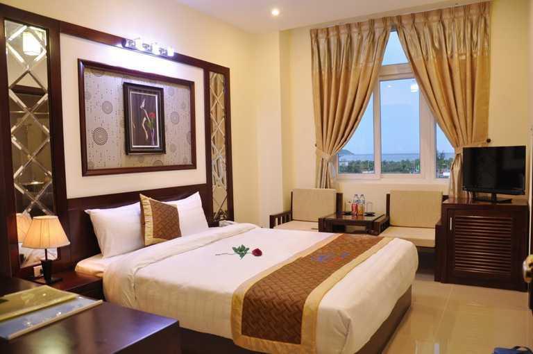 Khách sạn Gia Linh 3* Đà Nẵng - 2 phút tản bộ đến biển Mỹ Khê