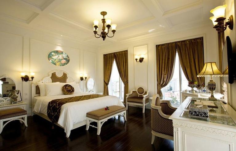 Khách sạn Eldora Huế 4.5* - Phong cách Hoàng gia sang trọng