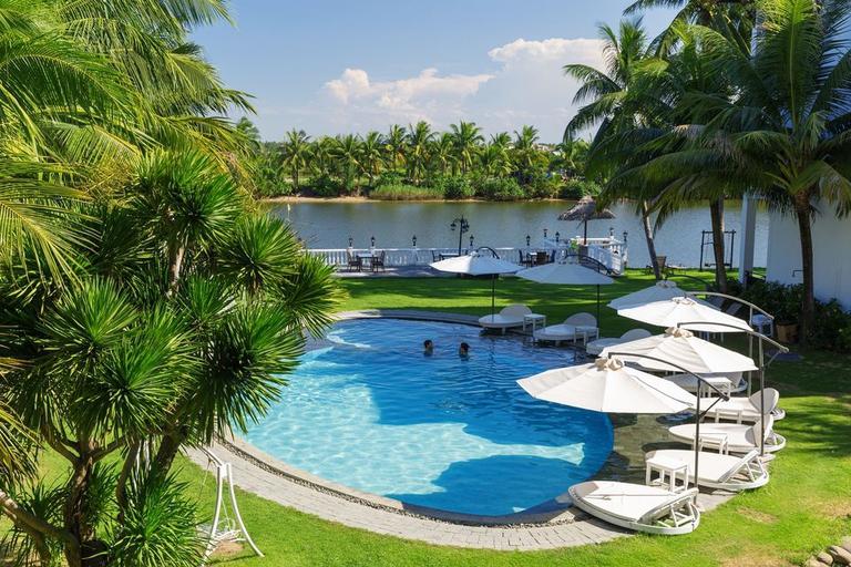 River Beach Resort & Residences 4* Hội An