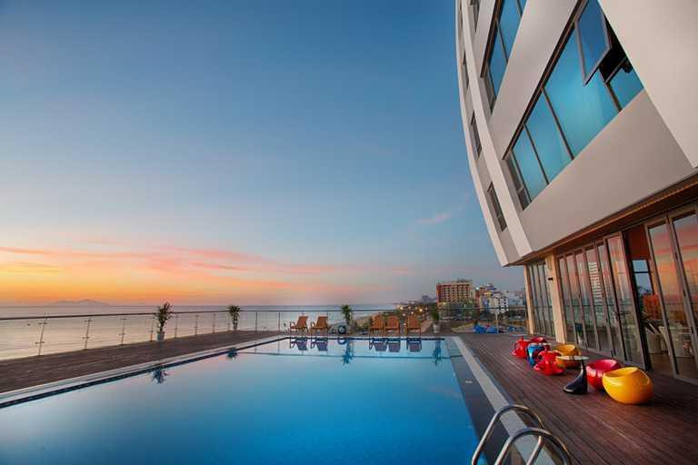 Serene Hotel 4* Đà Nẵng - Ngay mặt biển Mỹ Khê xinh đẹp + Buffet sáng