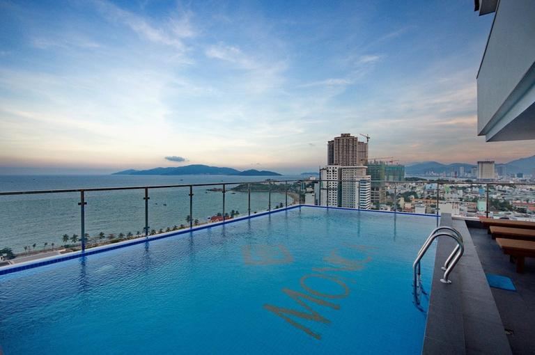 Monica Hotel Nha Trang 4 * Senior Deluxe seaview