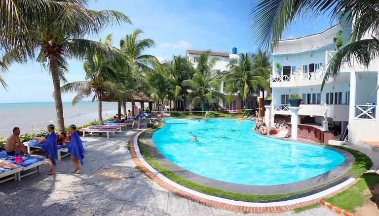 Paradise Resort Mũi Né 3 * - Nằm sát biển + có hồ bơi + phòng Superior hướng vườn