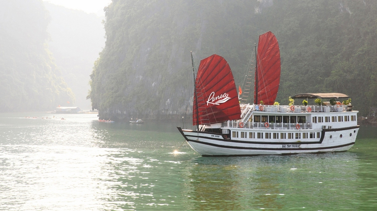 Hà Nội - Hạ Long 2N1Đ trên Du thuyền RENEA